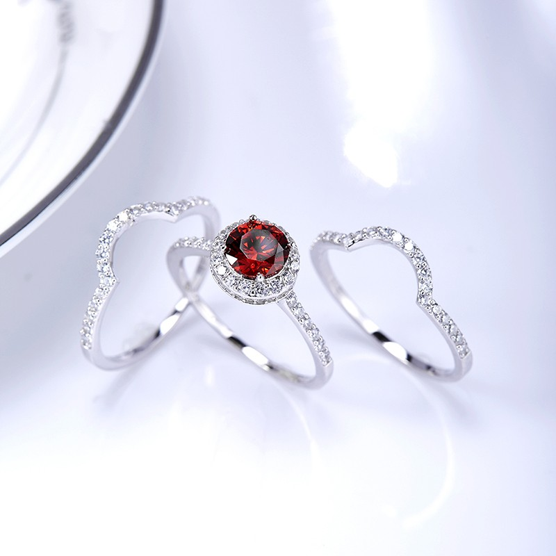 Luxurious triple silver 925 rings inlaid with red zircon and side white special crystals