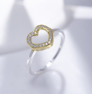 Heart silver 925 ring plated with gold and inlaid with white special crystals