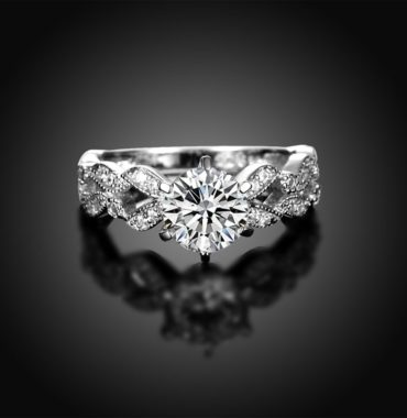 The three roses ring made from sterling silver inlaid with with white crystals