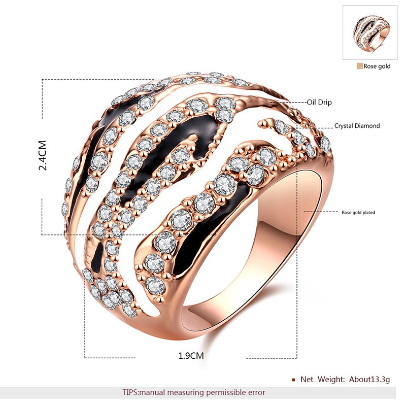 Rose gold plated ring inlaid with crystal diamond