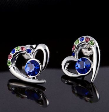 The heart earring is three times gold plated inlaid with colored crystals and blue Austrian crystals