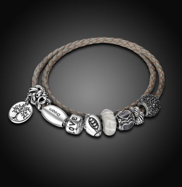 Special leather bangle, inlaid with crystal diamond plated with silver