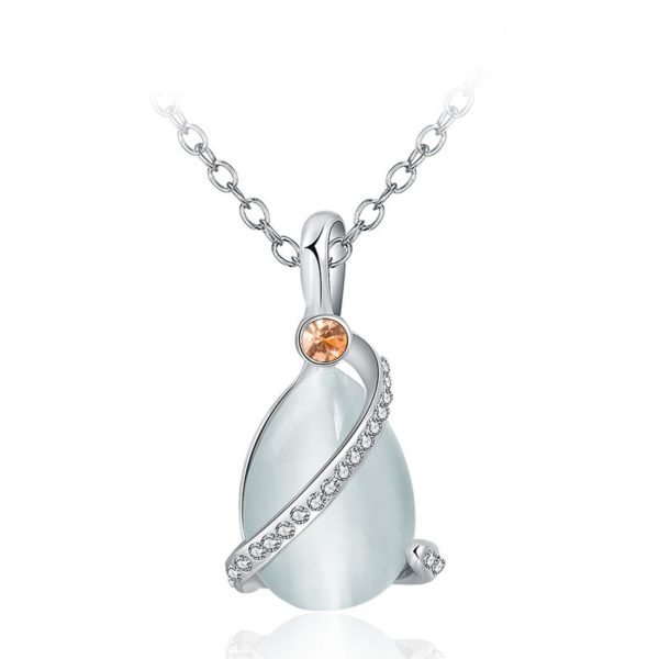 A special necklace, plated with platinum and inlaid with red crystal diamond, white crystal diamond and a big opal in the middle