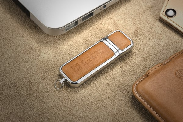 16G USB Genuine Leather Portable Flash Drive