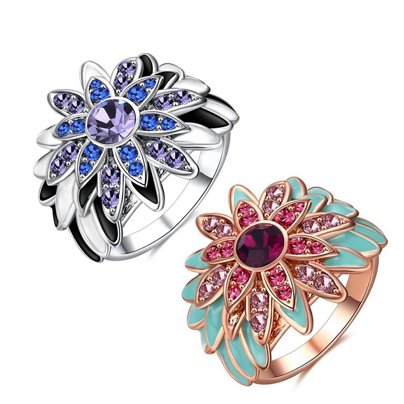 Special Platinum: Special Platinum Plated Rose Ring Inlaid With Crystals