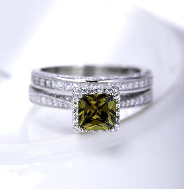 Luxurious silver 925 twins rings inlaid with olive green zircon and side white special crystals